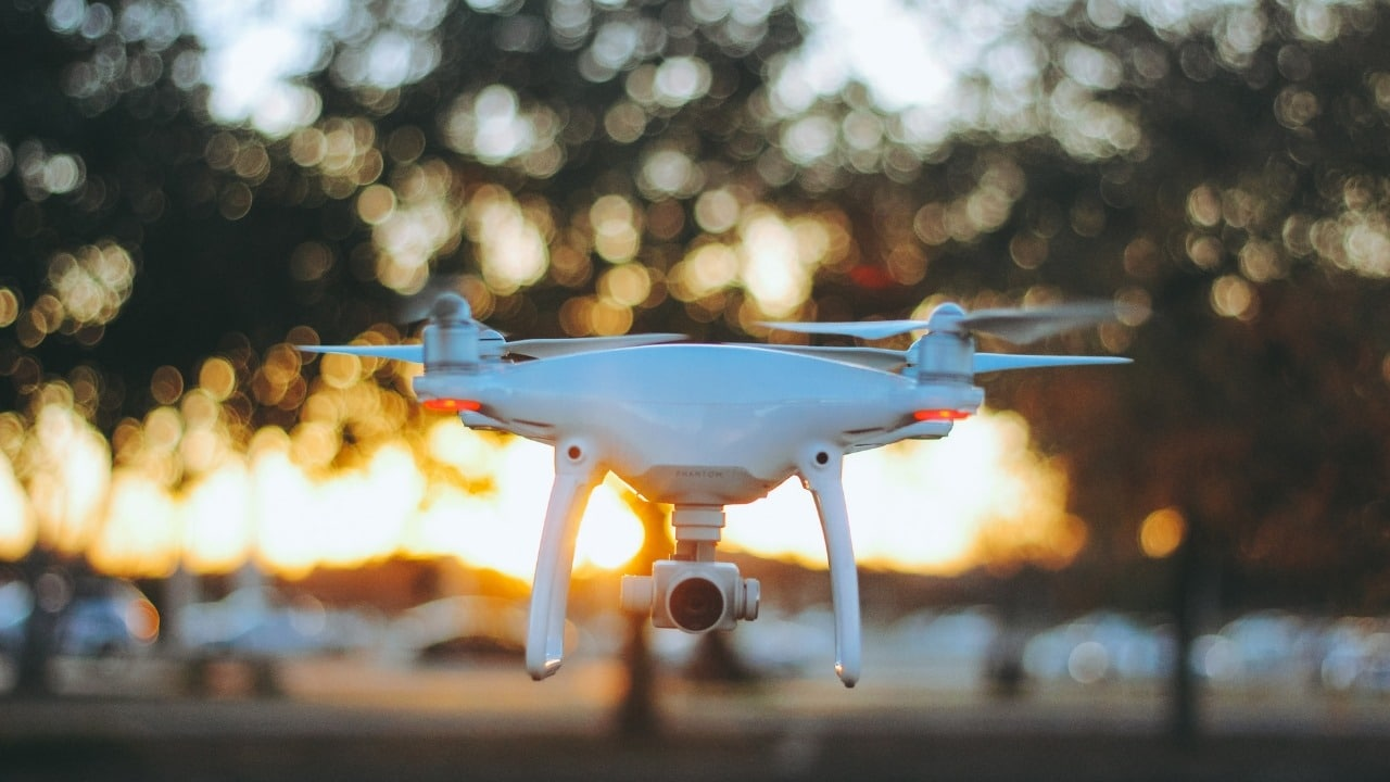 dji phantom 4 review and specification