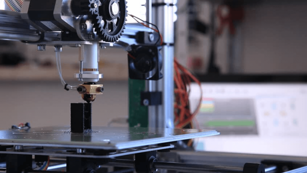 This image has an empty alt attribute; its file name is Cheap-3D-Printers-1-1024x576.png