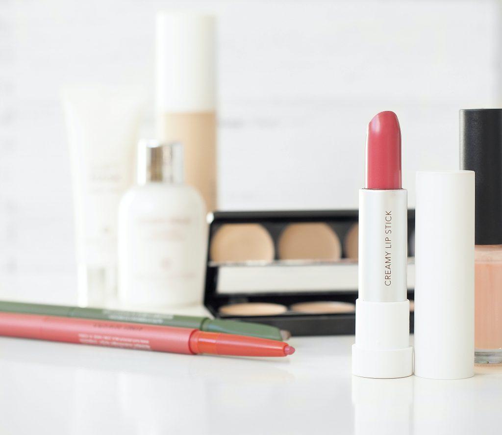 large makeup organizer