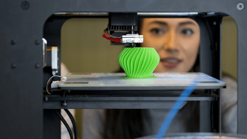 This image has an empty alt attribute; its file name is Cheap-3D-Printers-For-Beginners--1024x576.png