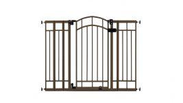 baby gate with door