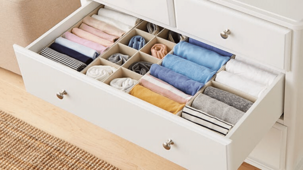 This image has an empty alt attribute; its file name is best-Clothes-Drawer-Organizer-for-men-1024x576.png