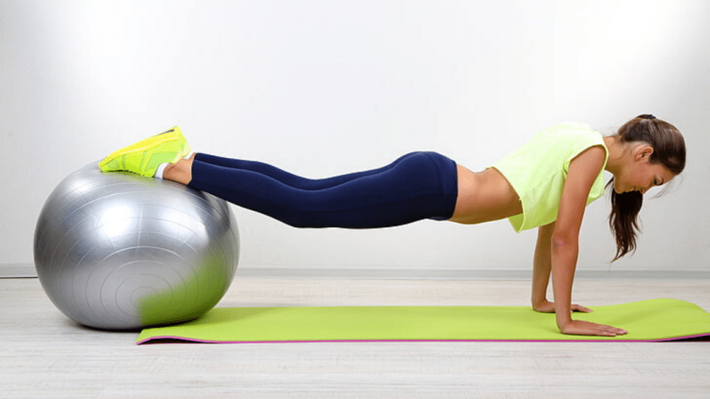 This image has an empty alt attribute; its file name is best-large-exercise-ball-1024x576.png