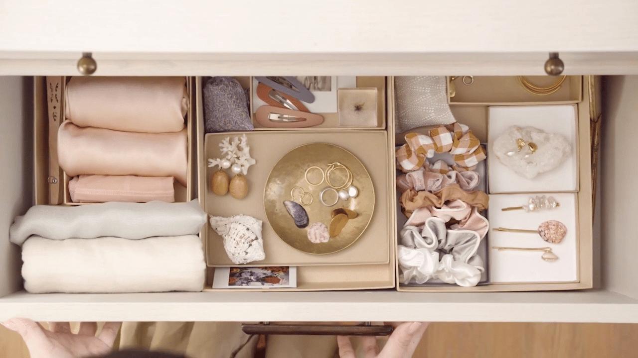 wardrobe clothes storage box