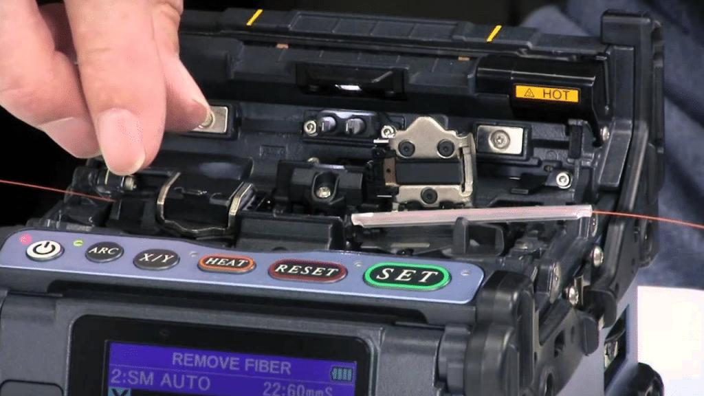 splicing machine for optical fiber