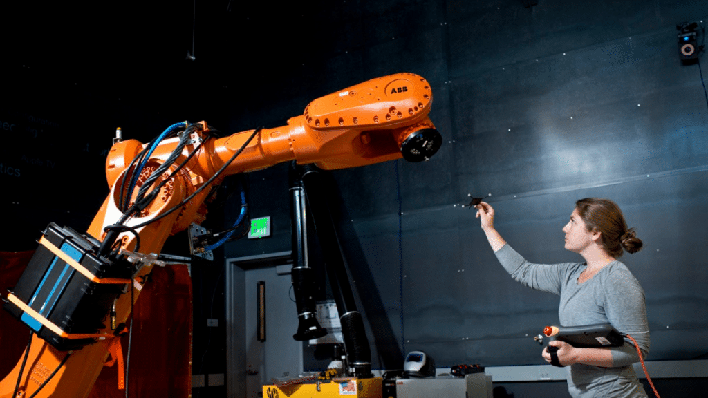 This image has an empty alt attribute; its file name is industrial-robots-for-palletizing-1024x576.png
