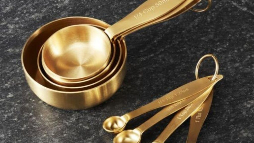 Copper measuring cups and spoons set