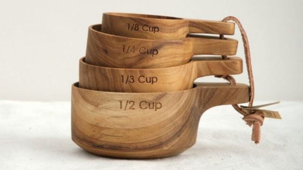 wooden measuring cups