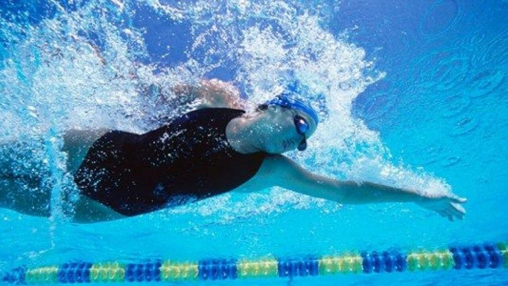 Precaution for best swimming goggles for open water
