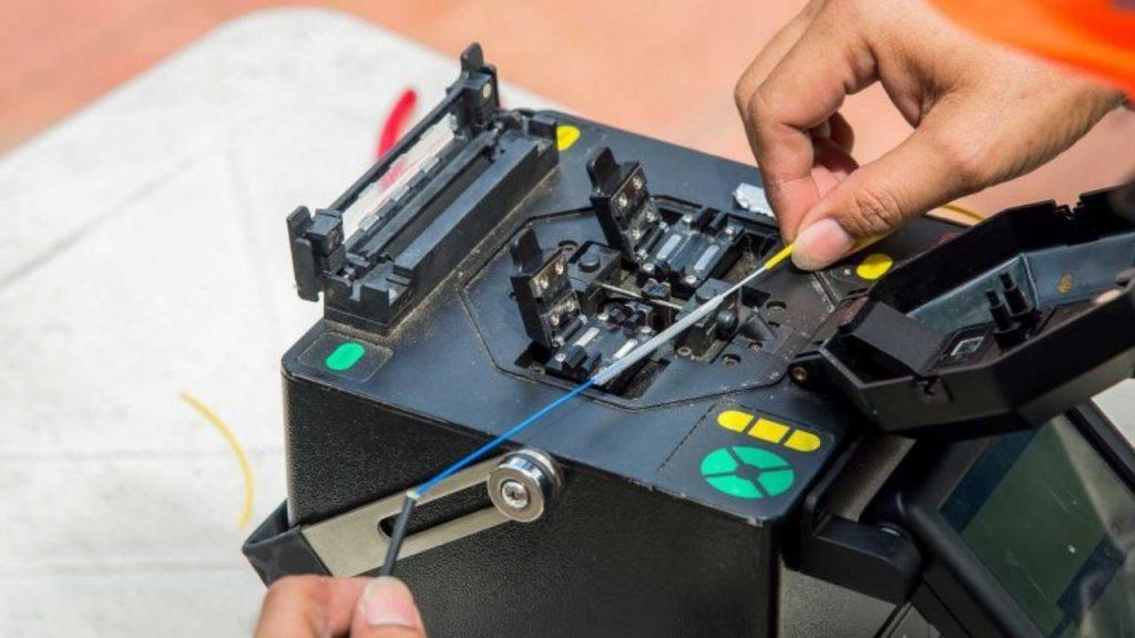 branson ultrasonic welding machine